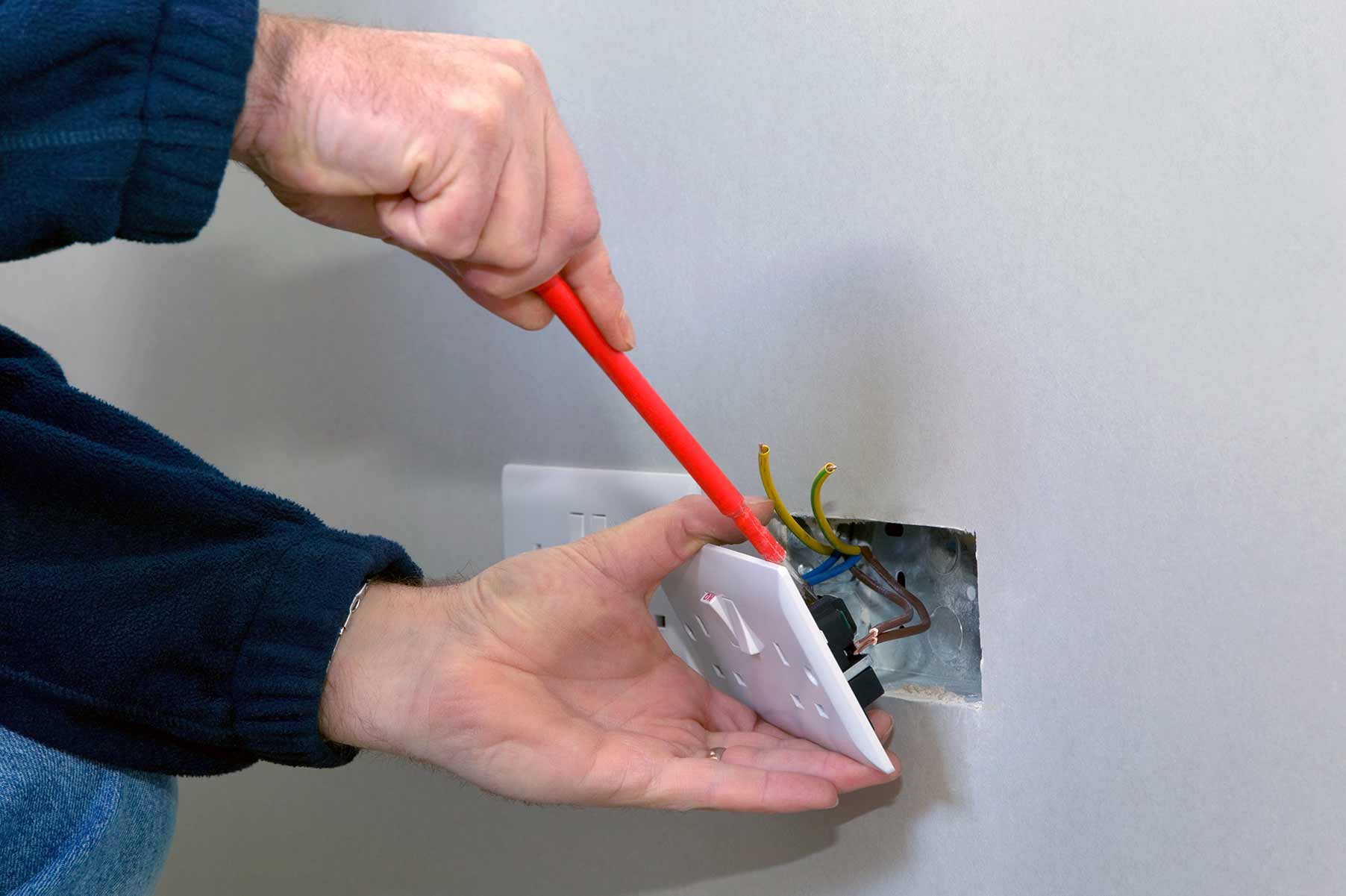 Our electricians can install plug sockets for domestic and commercial proeprties in Coulsdon and the local area.